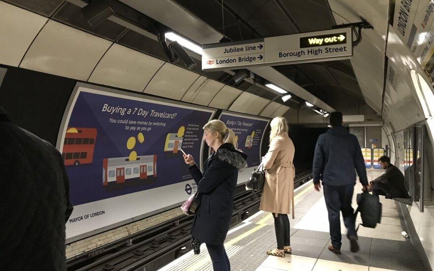 Londono metropolitene nugriaudėjus sprogimui sužeisti penki žmonės