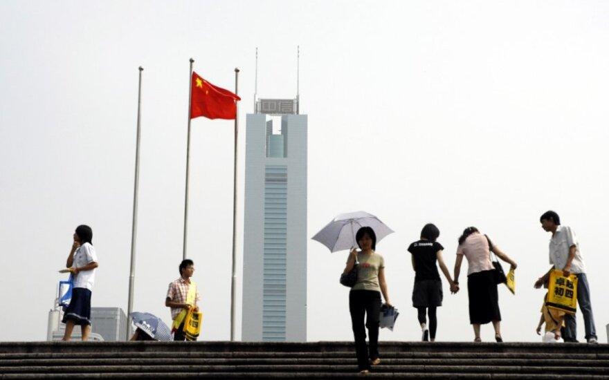 Medaus mėnesiui su Kinija atėjo galas