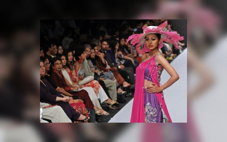 Monia Faruqi, mados savaitė Karačyje. Pakistanas