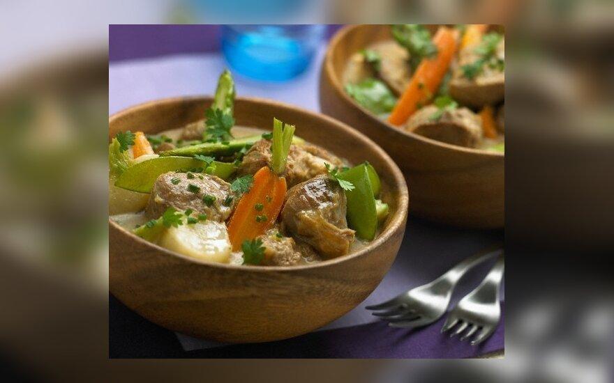Vištiena su daržovėmis ir garstyčių padažu