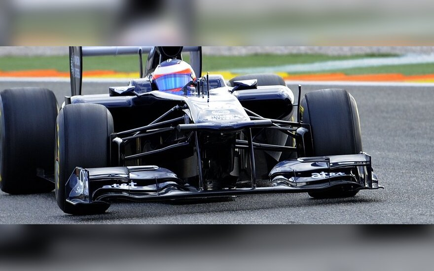 "Rubensas Barrichello vairuoja naująjį ""Williams"""