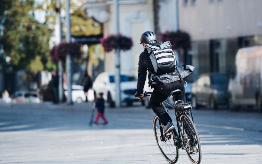 Lietuvoje – diena be automobilio: raginama po miestus keliauti viešuoju transportu, dviračiu ar paspirtuku