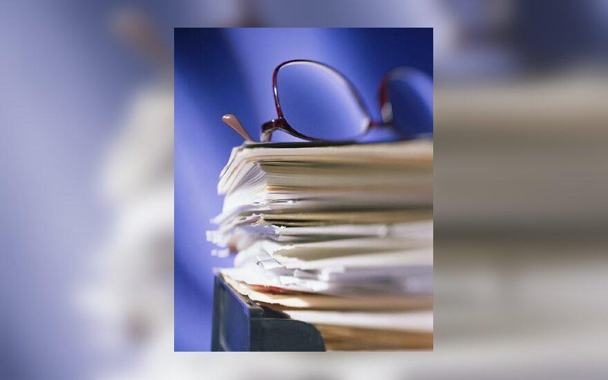 Dokumentai, dokumentų pluoštas, akiniai, popieriai