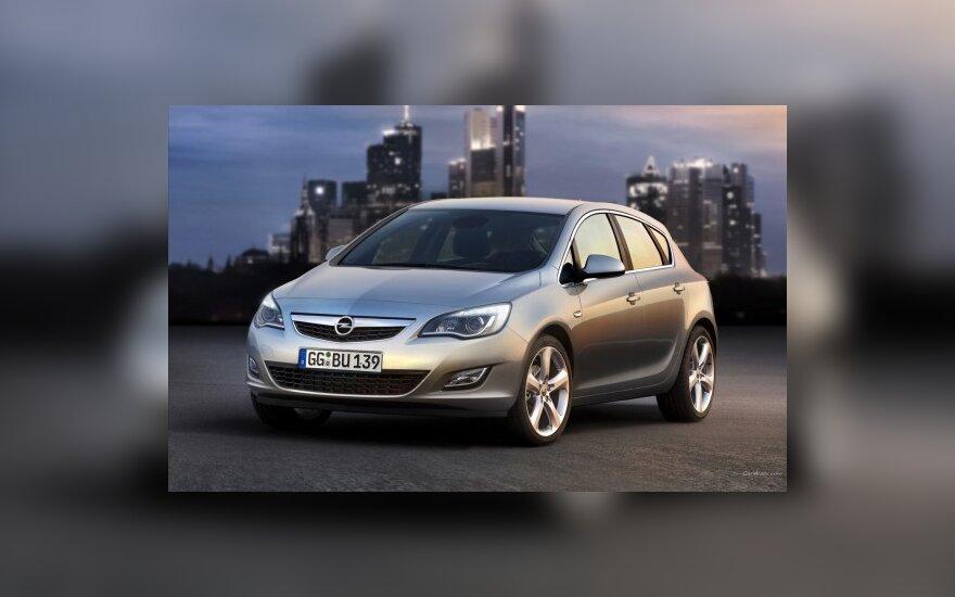 """Surinkti naująją """"Opel Astrą"""" užtruks mažiau laiko"""