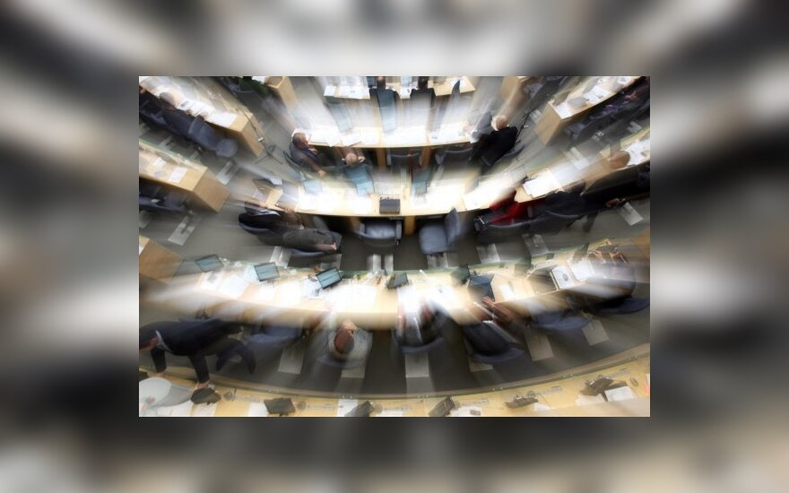 Dėl Seimo narių skaičiaus siūloma paklausti tautos
