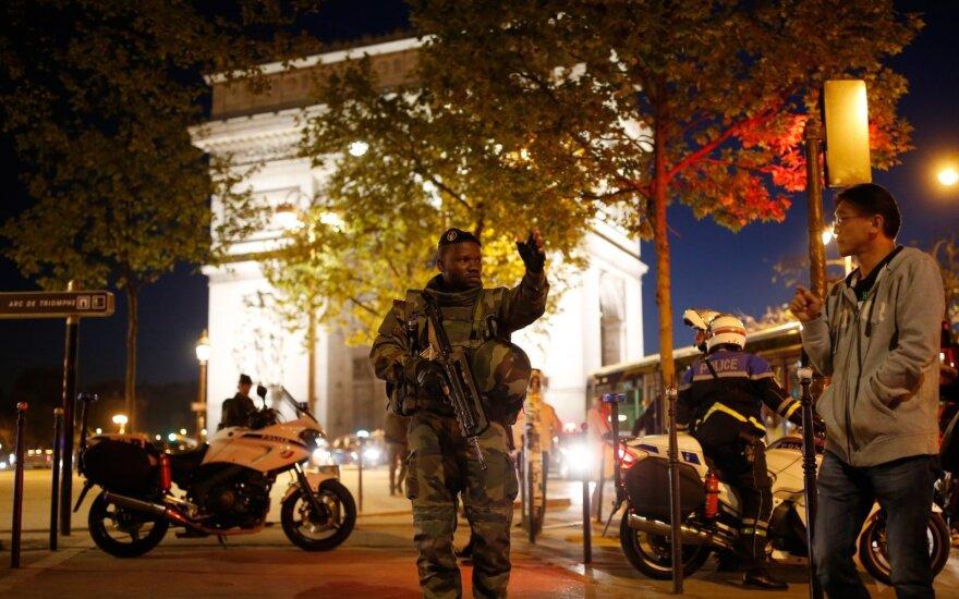 Išpuolis Eliziejaus laukuose Paryžiuje