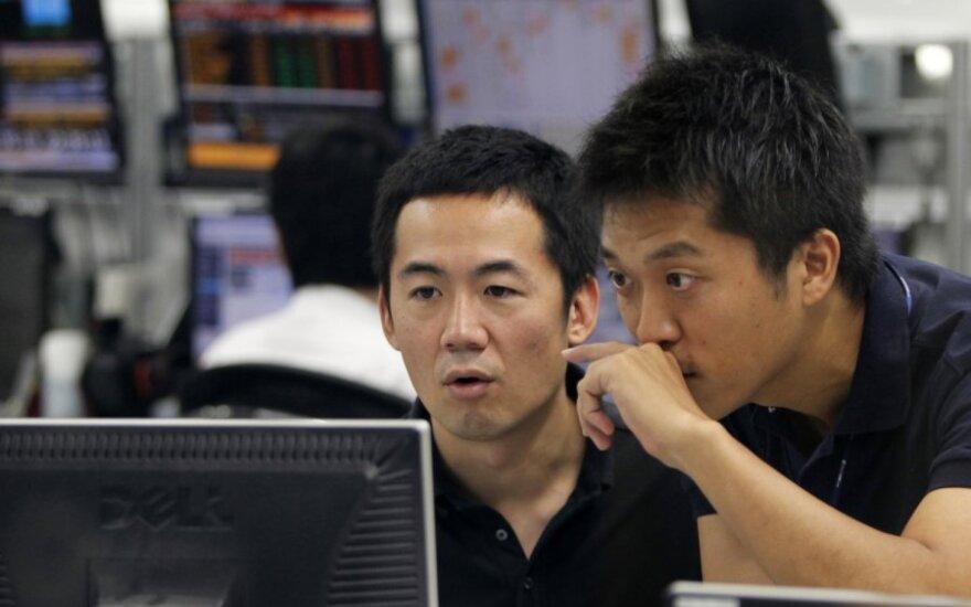 Silpna Kinijos ir Japonijos statistika smukdo Azijos akcijų rinką
