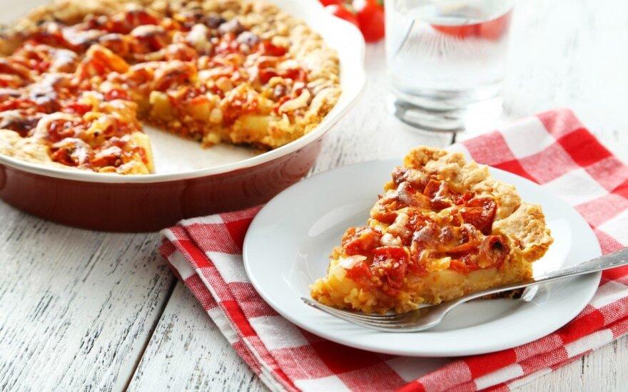 Varškės ir pomidorų pyragas