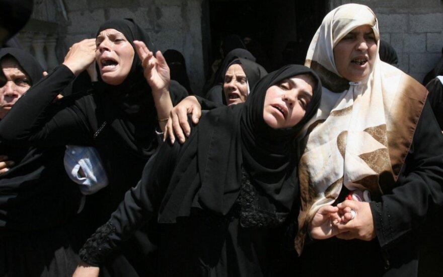 12-ta karo diena Gazos Ruože: skaičiuojamos aukos