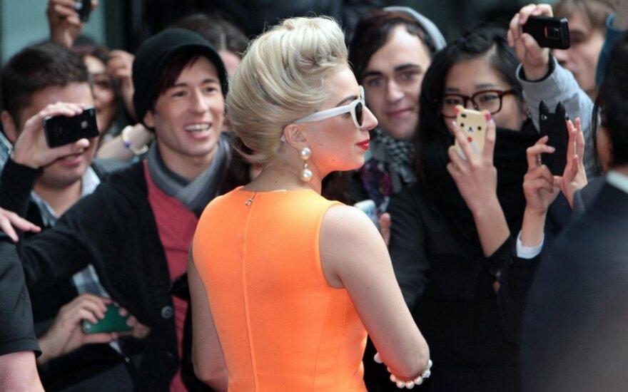 Ką nuo gerbėjų desperatiškai nori nuslėpti Lady Gaga?