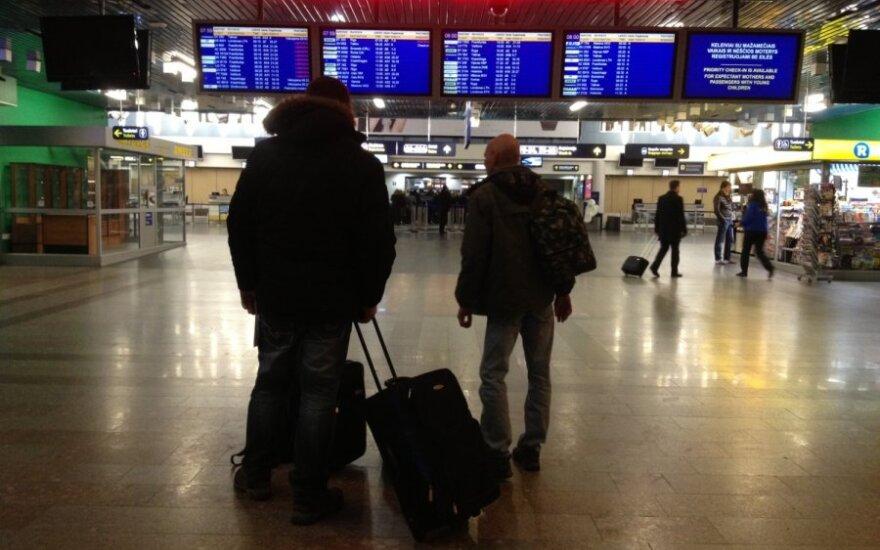 Dar vienas kvailelis atsidūrė už grotų pagrasinęs susprogdinti oro uostą