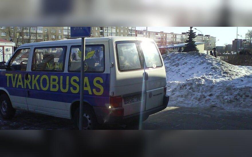 """Klaipėdoje, prie """"Eglės"""" turgavietės. 2011-02-20"""