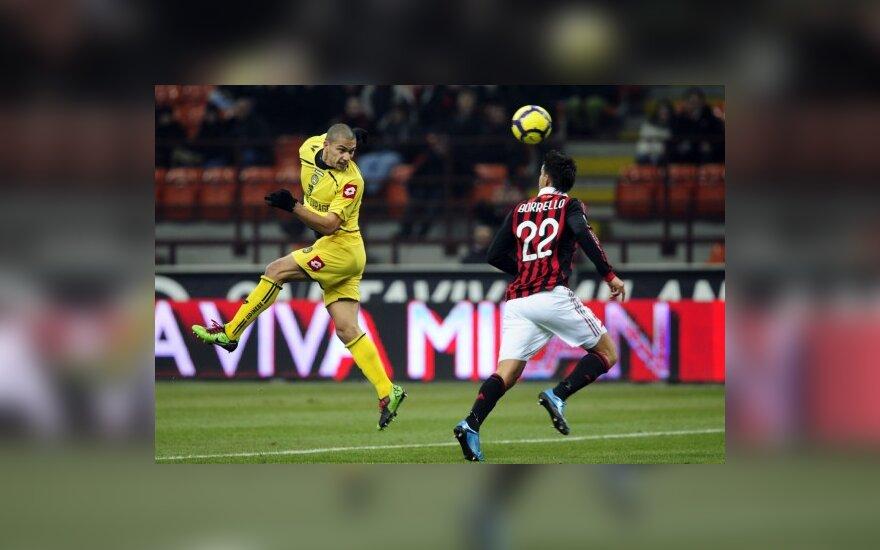 """Smūgiuoja Gokhanas Inleras (""""Udinese"""")"""