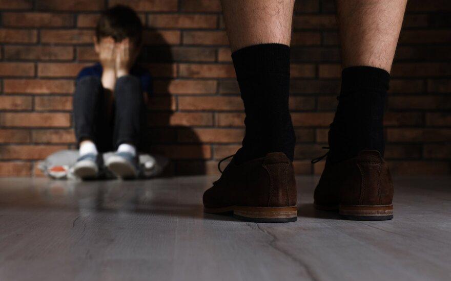 Smurtas prieš vaikus - asociatyvi nuotr.