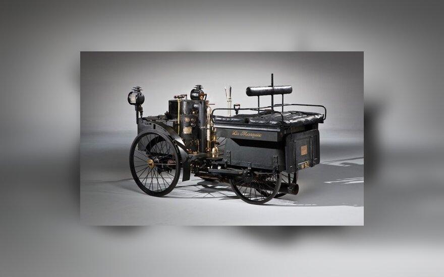 Seniausias pasaulyje važiuojantis automobilis parduotas už dvigubai daugiau nei tikėtasi
