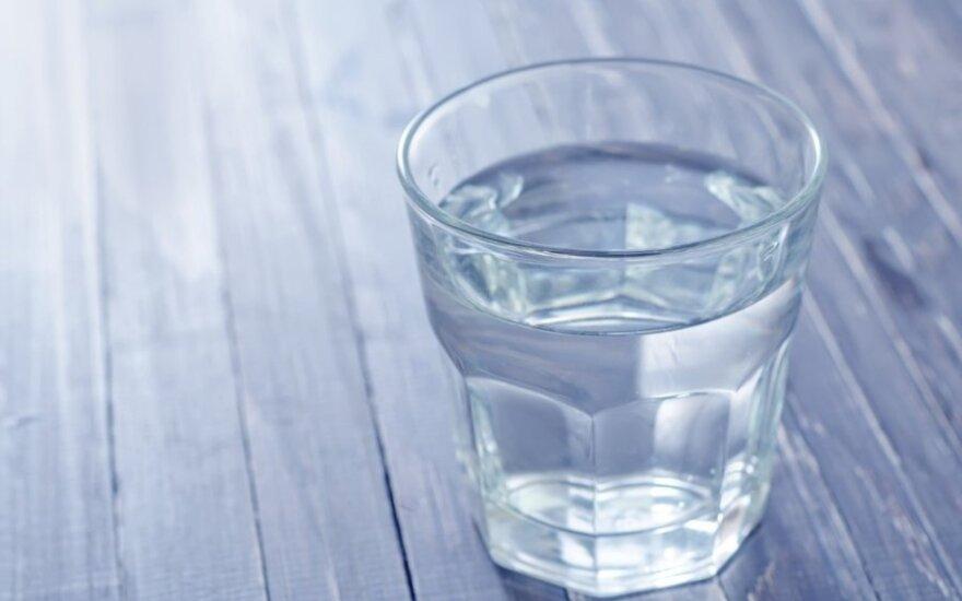 Stiklinėje vandenilio peroksido – visi sveikatos lobiai?