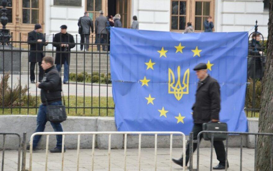 Ukrainos prezidento rinkimai įvyks ES rinkimų dieną