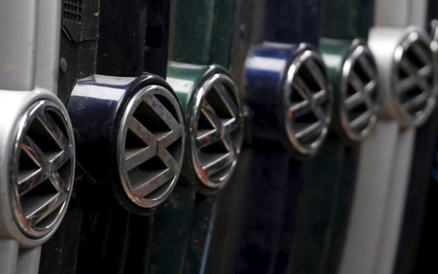 """""""Volkswagen"""" atšaukia 2,5 mln. automobilių Vokietijoje"""