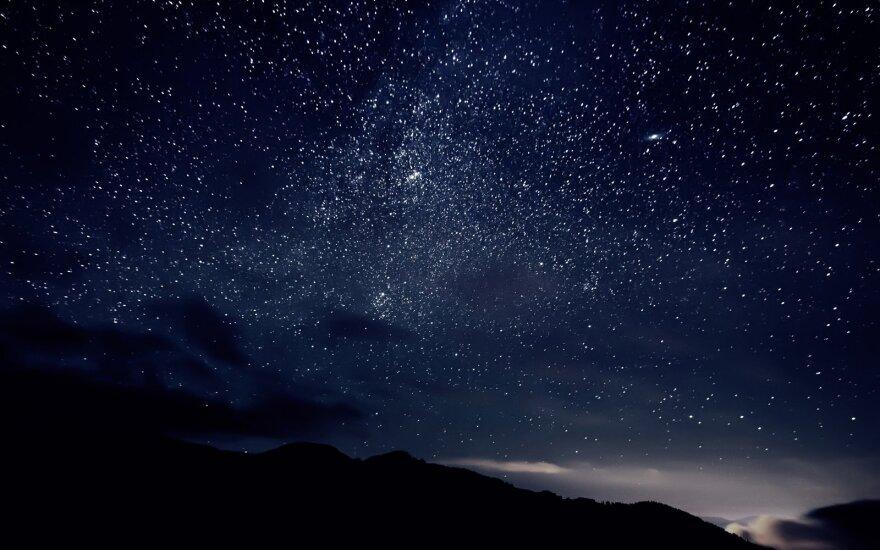 Nakties dangus