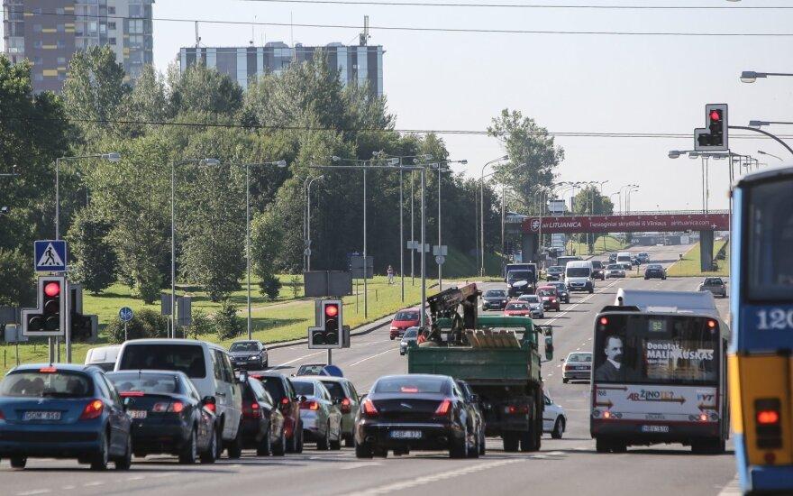 Vairuotojas Vilniuje įsiutęs: mere, gyventojams nebus gera gyventi šiame mieste