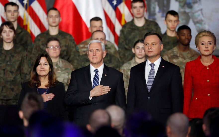 JAV viceprezidentas Mike'as Pence'as ir Lenkijos prezidentas Andrzejus Duda