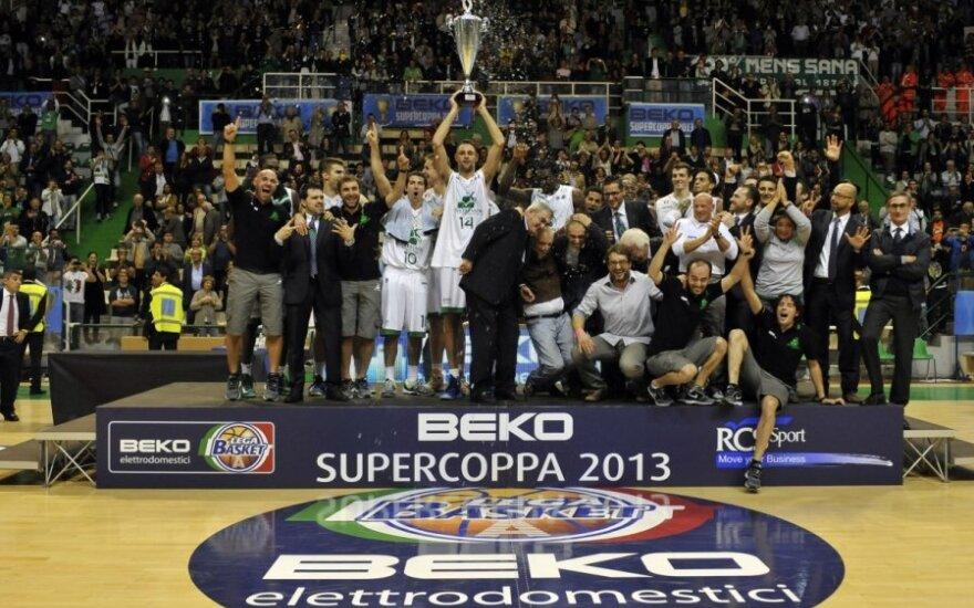 """Italijos supertaurė – """"Montepaschi"""" krepšininkų rankose"""