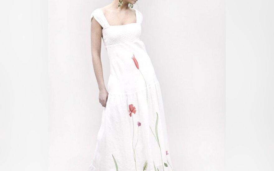 J.Žilėnienės sukurta suknelė