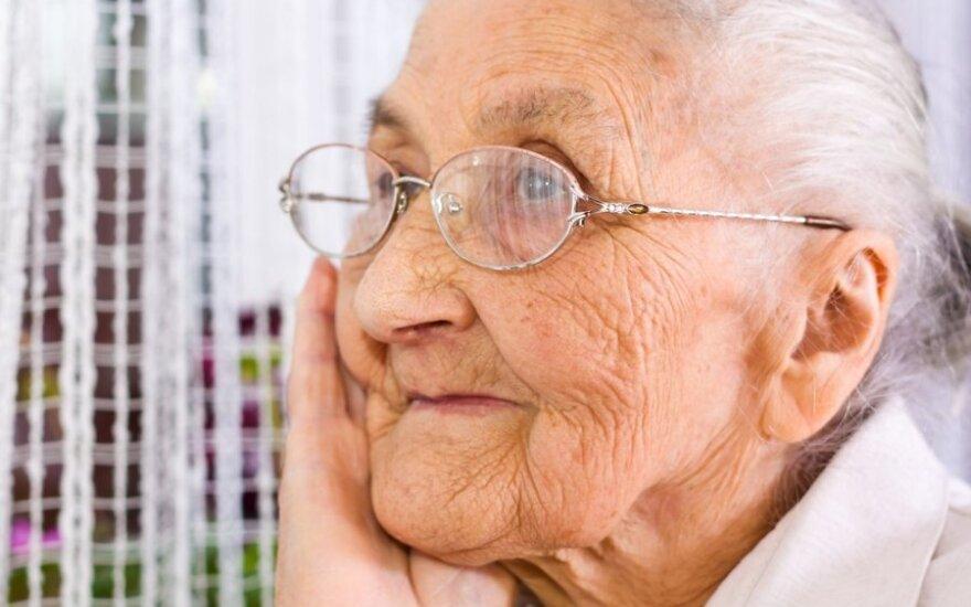 Dar visai neseniai mūsų močiutės išsiversdavo bė gausybės elektros prietaisų namuose
