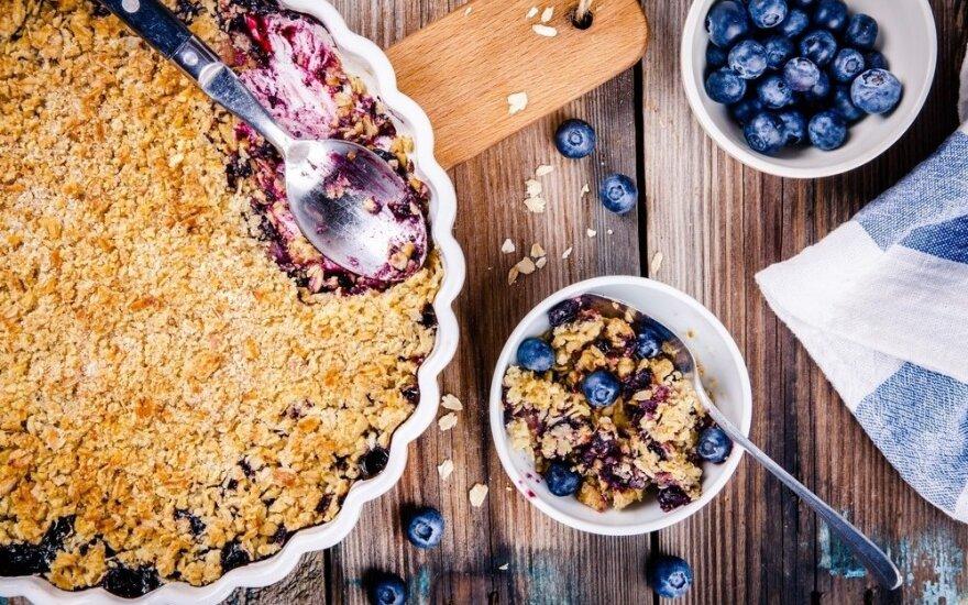 Trupininis obuolių ir mėlynių pyragas