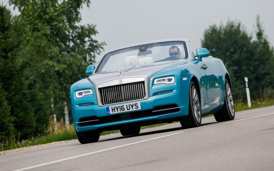 "Išbandėme ""Rolls-Royce Dawn"" automobilį"