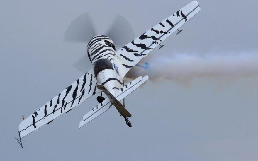 Atidarytas Lietuvos akrobatinių skrydžių sezonas