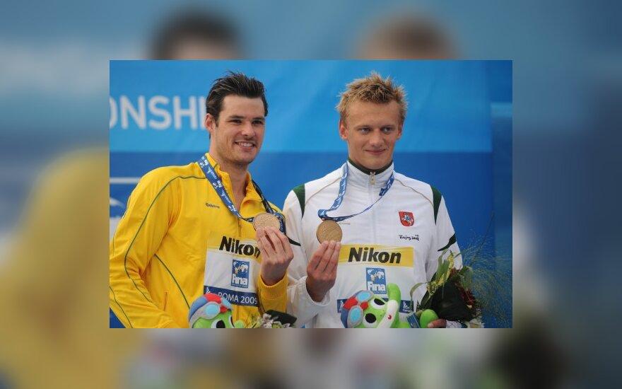 Bronzos medaliais pasidabino Ch. Sprengeris ir G. Titenis