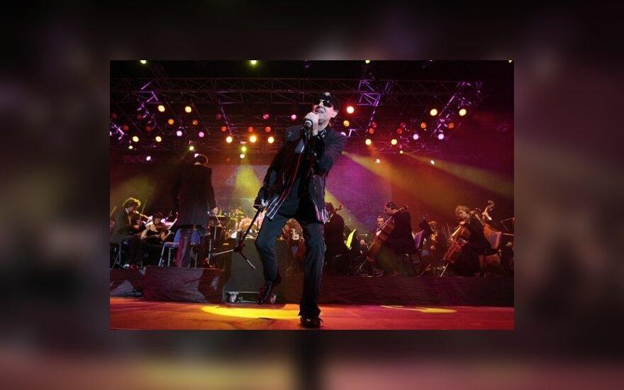 """""""Scorpions"""" pranešė nutraukiantys grupės veiklą"""