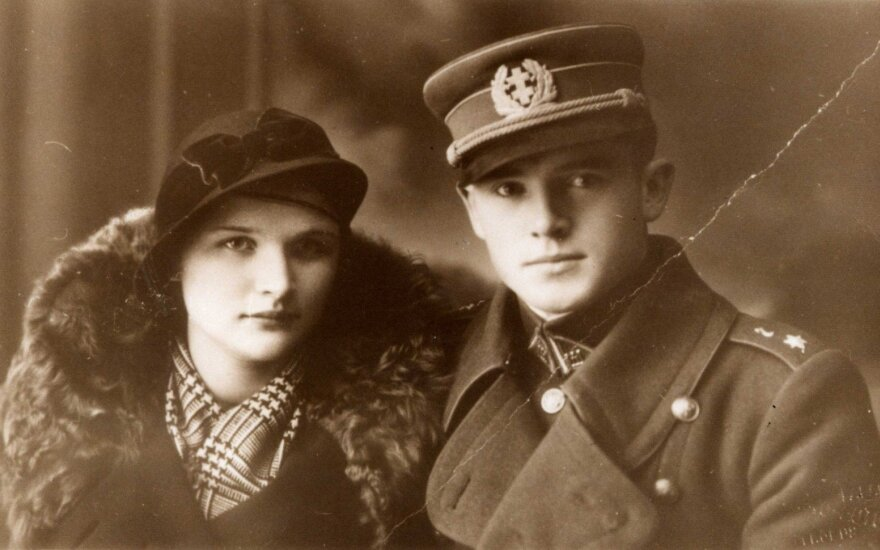 General Jonas Noreika with his future wife Antanina Karpavičiūtė, Palanga circa 1936