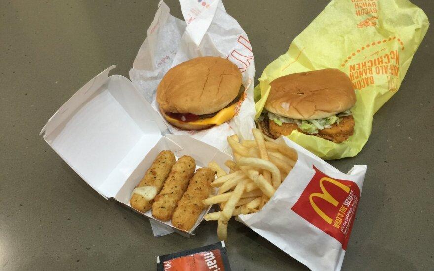 """""""McDonald's"""" restoranuose – sunkmečio Rusijoje ženklai"""