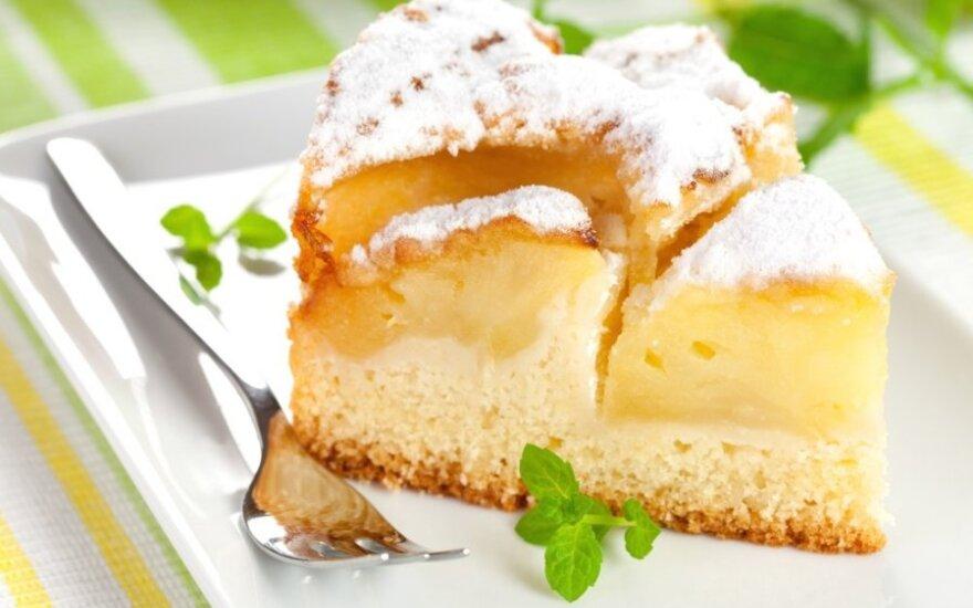 Purus obuolių pyragas su grietine