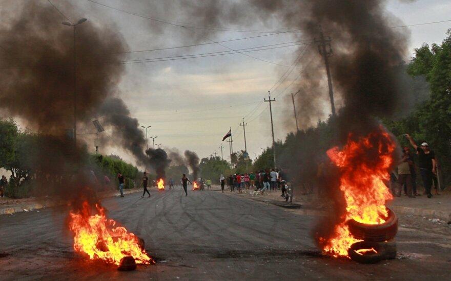 """""""Amnesty International"""": per protestus Irake žuvo mažiausiai 264 žmonės"""