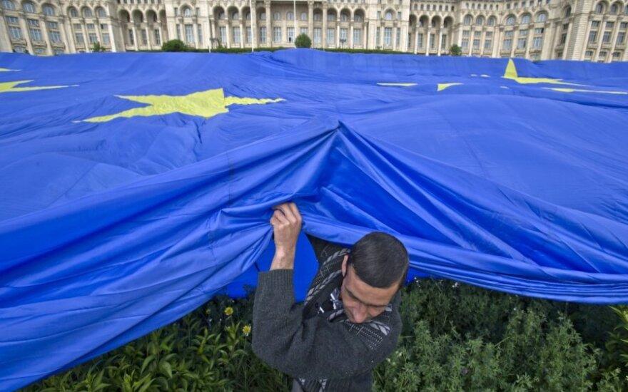 Britų institutas siūlo 100 tūkst. eurų premiją už pasitraukimo iš ES planą