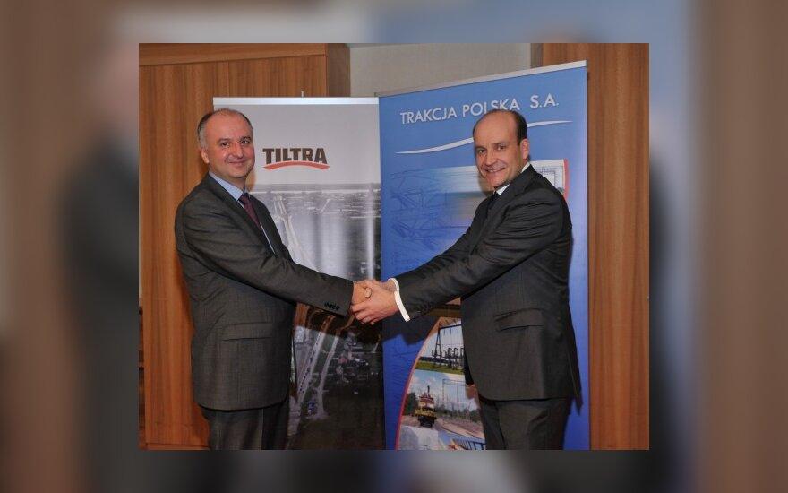 Tiltra Group plėtros direktorius Romas Matiukas ir Trakcja Polska valdybos pirmininkas Maciej Radziwiłł