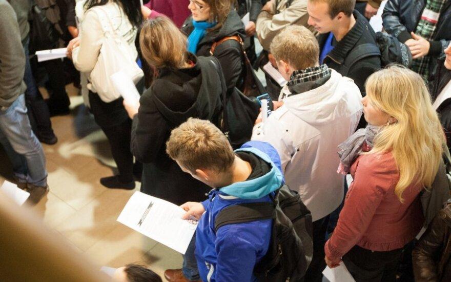 Lietuvos absolventų įsidarbinimo vidurkis – didžiausias Baltijos šalyse