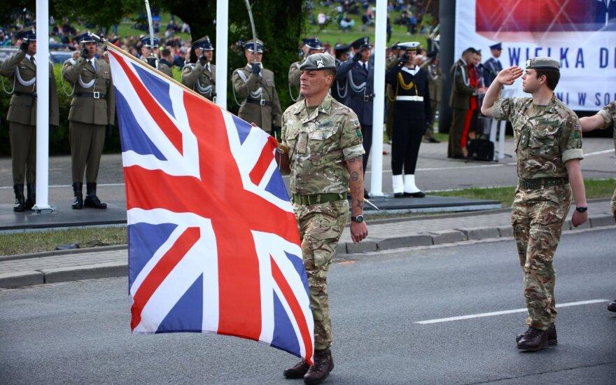 JAV kariai parade Lenkijoje