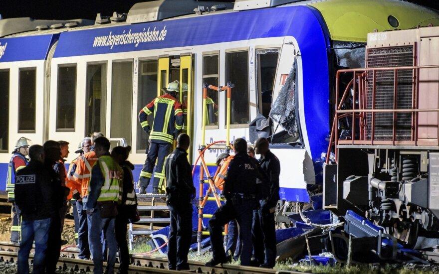 Vokietijoje susidūrus traukiniams žuvo du žmonės