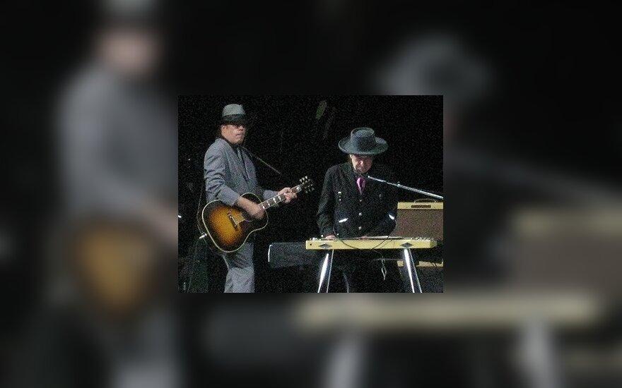B.Dylanas kurs muziką Brodvėjui