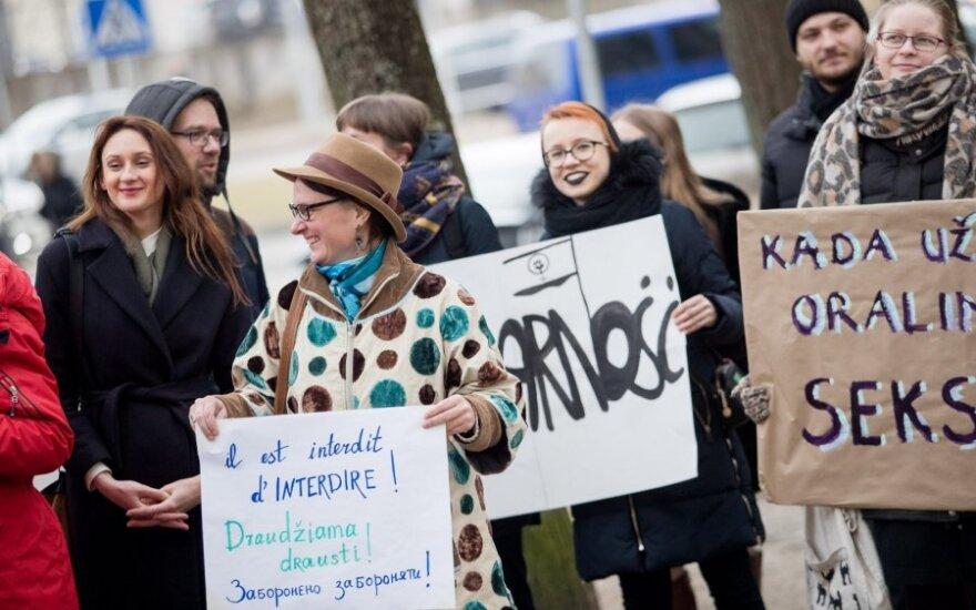 Medikas: abortų įteisinimas neturi būti siejamas su religija