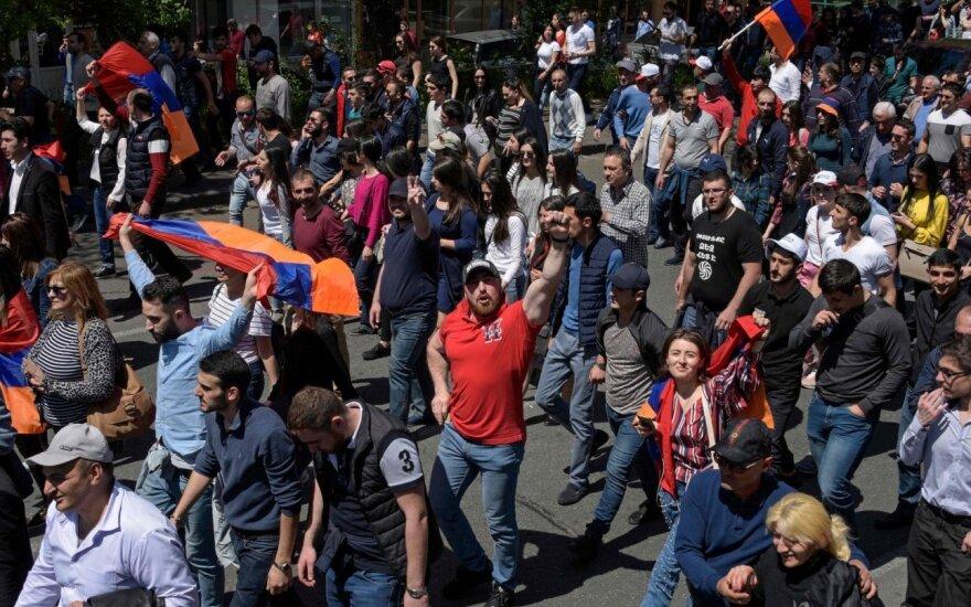 Armėnijos parlamentas paskyrė premjero rinkimų datą