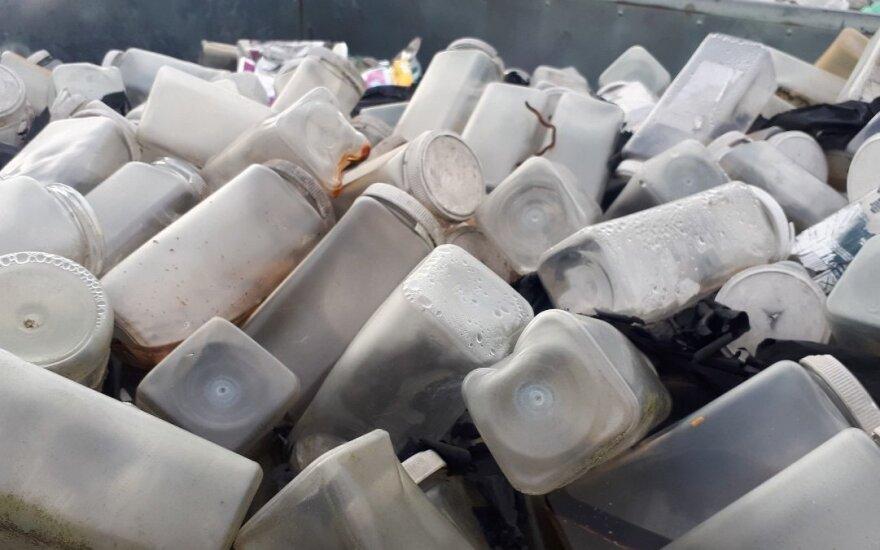 Bankrutavusios įmonės palieka tonas atliekų