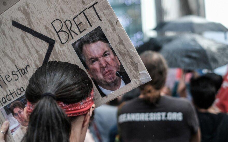 Vašingtone surengtas protestas prieš kandidatą į AT teisėjus Kavanaugh