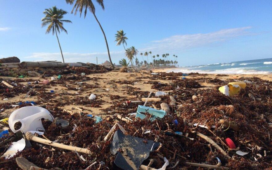 Plastikas paplūdimyje