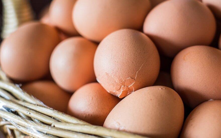 Paprasti, bet efektingi triukai: ką daryti, kad verdami kiaušiniai nesuskiltų