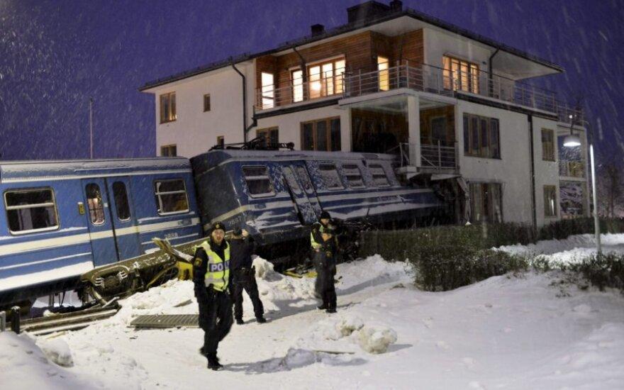 Valytoja nekalta dėl incidento, kai Švedijoje į namą rėžėsi traukinys